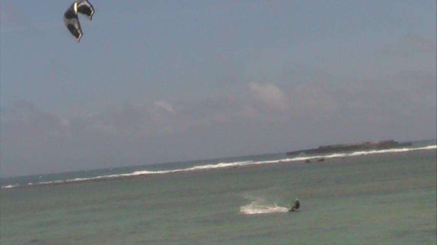 台風一過後のカイトサーフィン
