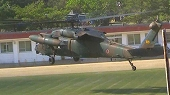 陸自ヘリ UH-60JA が二機飛来