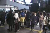 ハロウィンの日の渋谷駅前