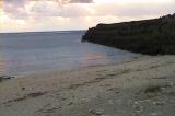 早朝の亀津東区海岸