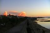早朝の亀津海岸