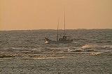 出漁する漁船