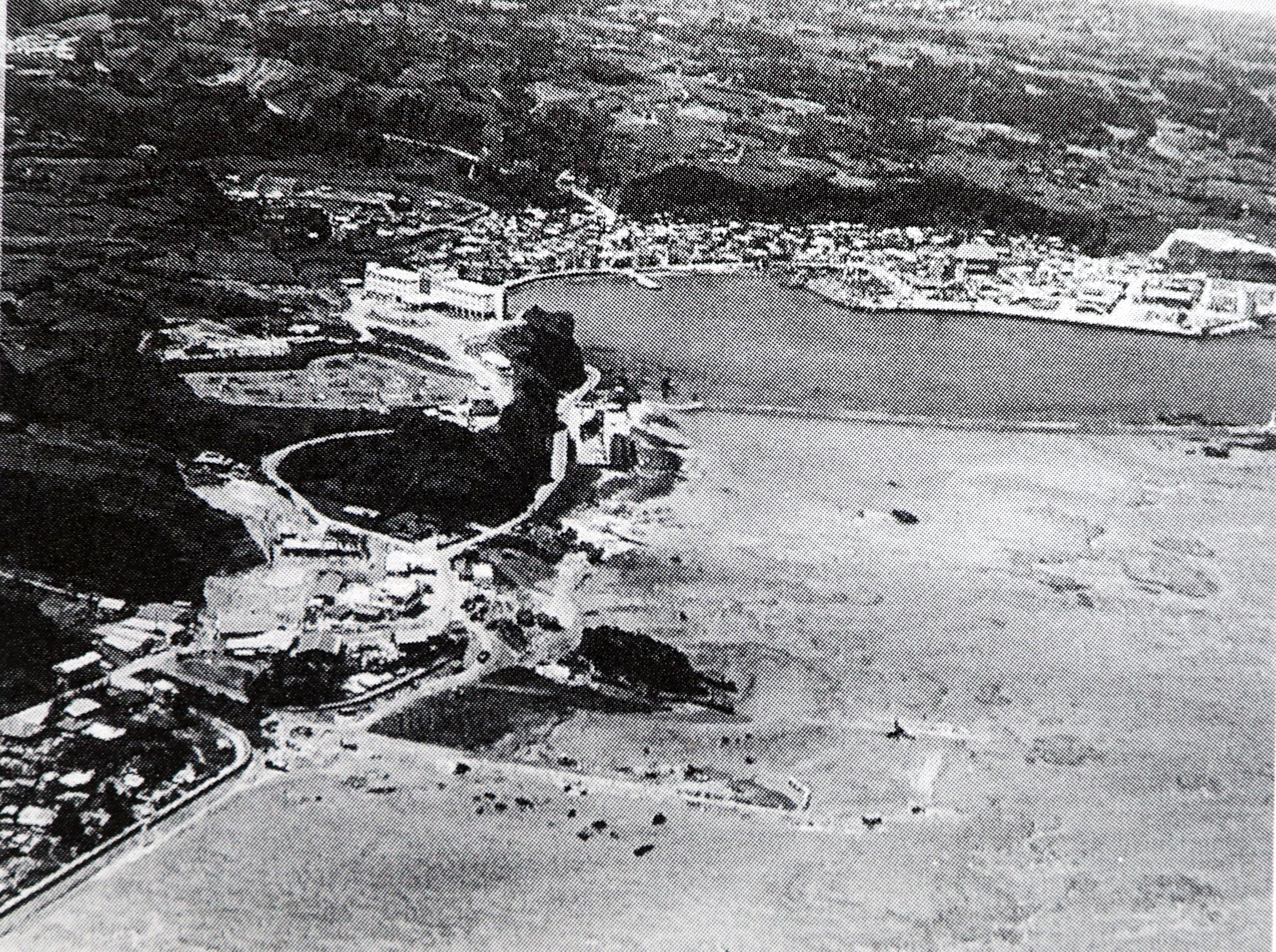 亀津・亀徳の古い航空写真