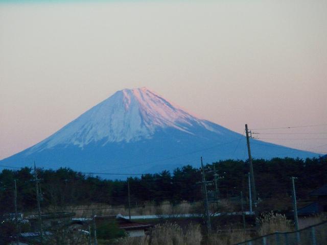 中央道車窓から望む富士山