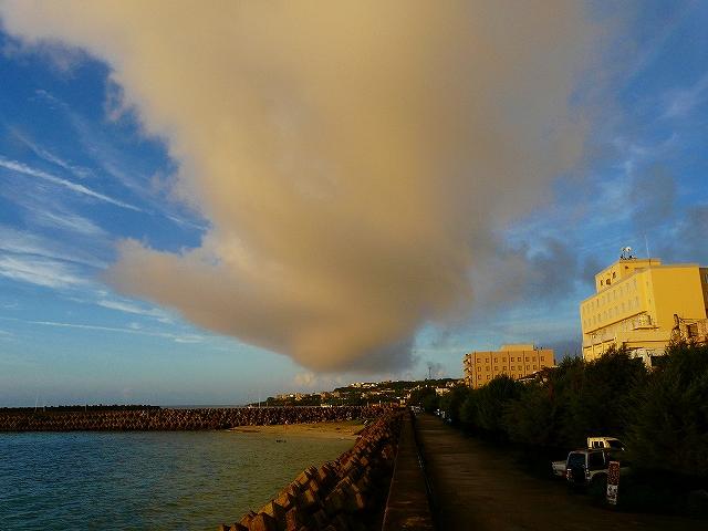 ティダアミィの積乱雲